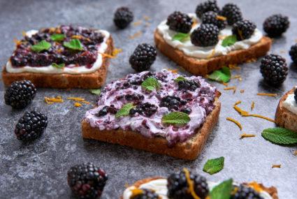 Mascarpone and Blackberries on Toast